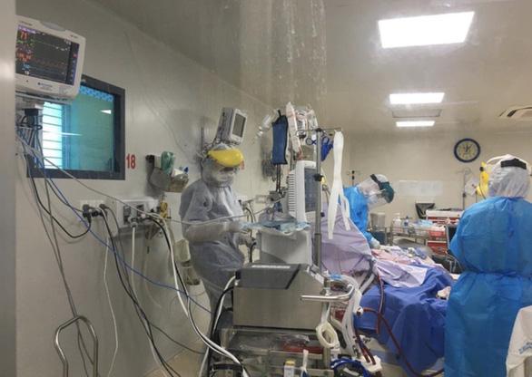 Trong 507 bệnh nhân COVID-19 ở TP.HCM, 18 người có diễn biến nặng - Ảnh 1.
