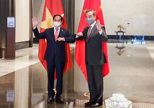 Việt Nam đề nghị cùng Trung Quốc tìm giải pháp cơ bản, lâu dài cho Biển Đông - Ảnh 1.