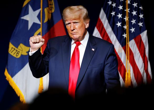 Bộ Tư pháp Mỹ bảo vệ ông Trump trong vụ kiện phỉ báng phụ nữ - Ảnh 1.