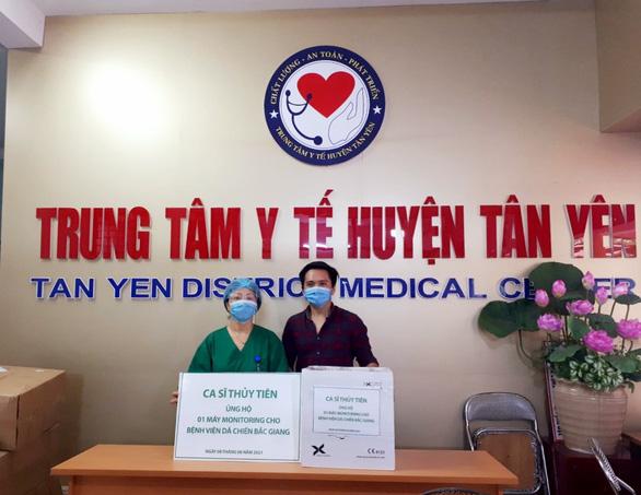 Thủy Tiên ủng hộ máy monitor, Hồ Văn Cường phủ nhận bị Phi Nhung đối xử tệ bạc - Ảnh 2.