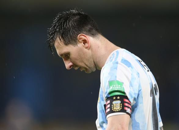 Argentina đánh rơi chiến thắng ở phút 90+4 sau khi dẫn 2-0 - Ảnh 3.