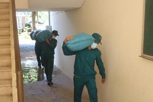 Bệnh viện Bệnh nhiệt đới và Bệnh viện huyện Củ Chi sẽ là nơi điều trị bệnh nhân COVID-19 - Ảnh 1.