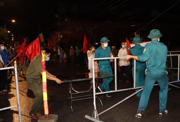 Ổ dịch Công ty AAC có thêm 35 ca mắc, gỡ phong tỏa 3 thôn đầu tiên ở Thuận Thành - Ảnh 2.