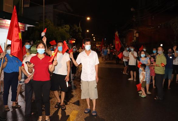 Ổ dịch Công ty AAC có thêm 35 ca mắc, gỡ phong tỏa 3 thôn đầu tiên ở Thuận Thành - Ảnh 1.