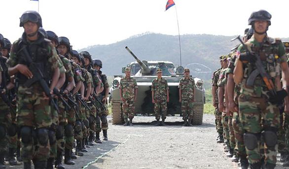 Mỹ chấm dứt chương trình đào tạo quân sự cùng Campuchia - Ảnh 1.