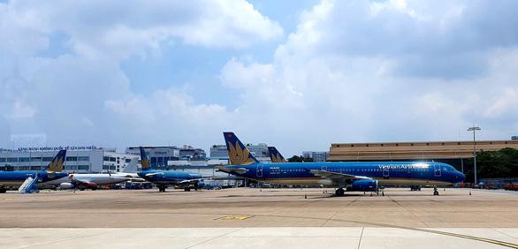 Hàng không ở Tân Sơn Nhất giảm đến đáy của đáy - Ảnh 12.