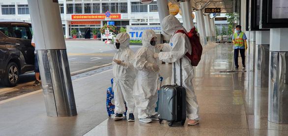 Hàng không ở Tân Sơn Nhất giảm đến đáy của đáy - Ảnh 5.