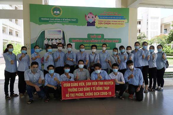 Sinh viên y khoa tiếp sức chống dịch - Ảnh 2.