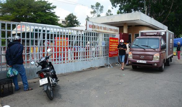 Cách ly tại nhà toàn bộ người đã rời Bệnh viện đa khoa tỉnh Bình Thuận - Ảnh 1.