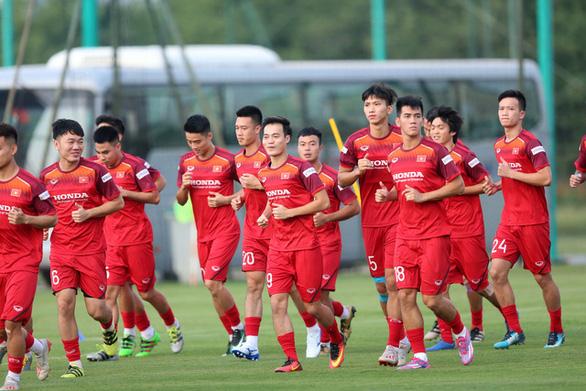 Trung vệ Bùi Tiến Dũng mong đội tuyển Việt Nam gặp Trung Quốc ở vòng loại thứ 3 World Cup 2022 - Ảnh 1.
