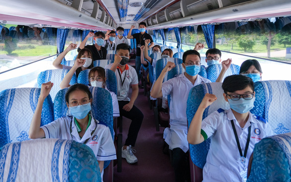 Sinh viên y khoa tiếp sức chống dịch - Ảnh 1.