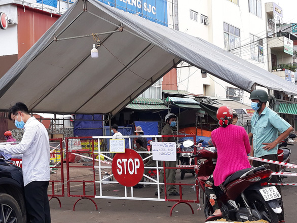 Bình Phước hỏa tốc bổ sung Bình Long, Phước Long giãn cách xã hội theo chỉ thị 15 - Ảnh 2.