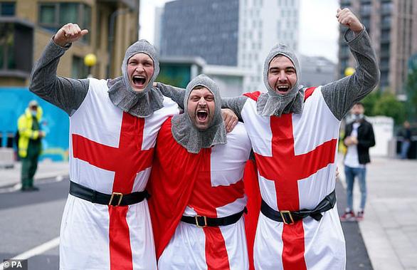 1,7 tỉ đồng cho 1 vé xem trận chung kết Euro 2020 giữa Anh với Ý - Ảnh 1.