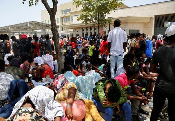 Haiti yêu cầu LHQ, Mỹ gửi binh lính đến hỗ trợ an ninh - Ảnh 1.