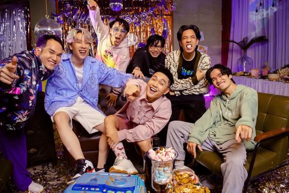 Thu Quỳnh trong Hương vị tình thân gây ức chế, Dương Khắc Linh viết nhạc cổ vũ trẻ em thời dịch - Ảnh 5.