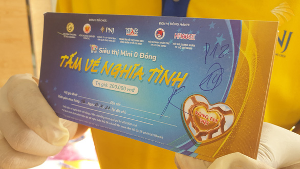 Hàng chục nghìn người dân TP.HCM được mua sắm miễn phí ở siêu thị 0 đồng - Ảnh 3.
