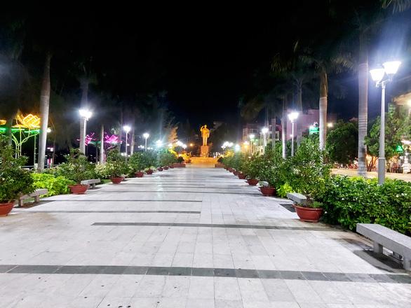 Ninh Kiều và Cái Răng, Cần Thơ đêm trước giờ G - Ảnh 2.