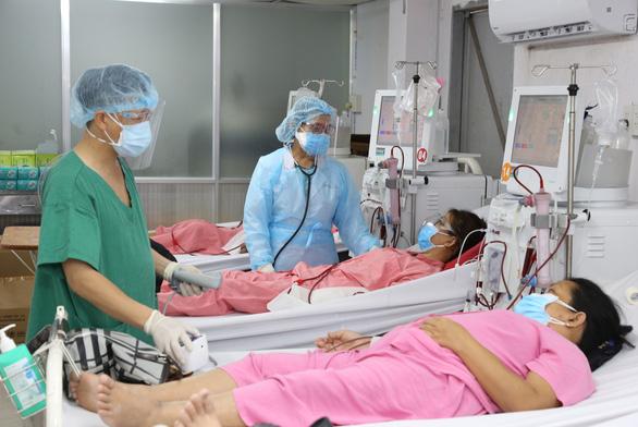 Nữ bác sĩ nghỉ hưu xin quay lại làm hậu phương cho đàn em chống dịch COVID-19 - Ảnh 3.