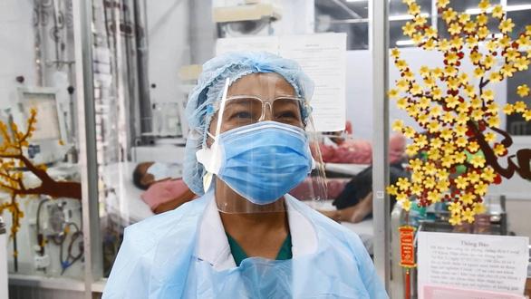 Nữ bác sĩ nghỉ hưu xin quay lại làm hậu phương cho đàn em chống dịch COVID-19 - Ảnh 2.