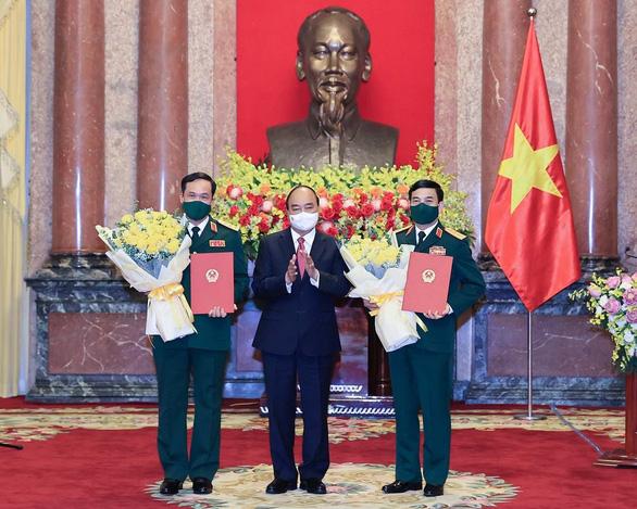 Thăng quân hàm đại tướng cho Bộ trưởng Bộ Quốc phòng Phan Văn Giang - Ảnh 1.