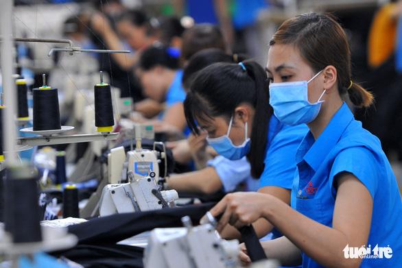 Có ca mắc COVID-19, 2 doanh nghiệp khủng tại Đồng Nai ráo riết xét nghiệm hàng ngàn lao động - Ảnh 1.