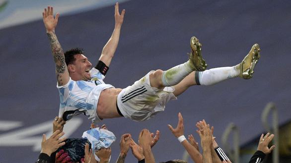 Tuyển Argentina đã trả nợ cho Messi - Ảnh 1.