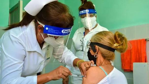 Cuba - Hành trình cường quốc y tế: Kỳ 1: Bào chế vắc xin, tìm thuốc trị COVID-19 - Ảnh 1.
