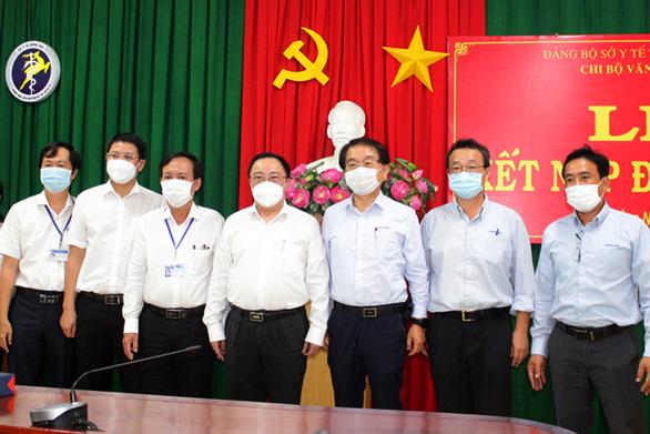 Công nhân gặp khó mùa COVID-19, doanh nghiệp ở Đồng Nai thưởng ngay 3-5 triệu - Ảnh 1.