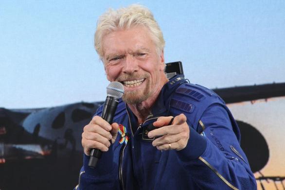 Tỉ phú Branson bay thành công vào vũ trụ - Ảnh 3.
