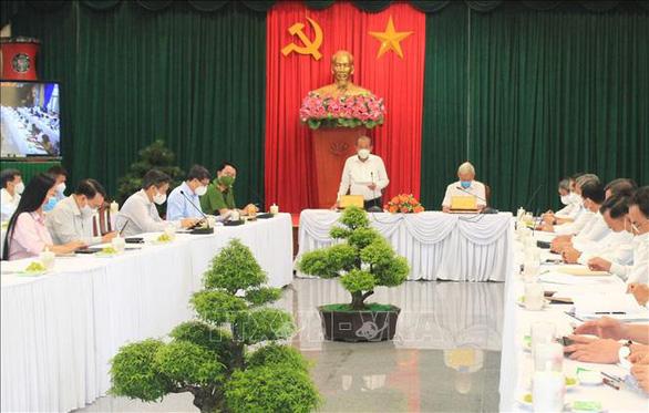 Phó thủ tướng Trương Hòa Bình kiểm tra phòng, chống dịch tại Đồng Nai - Ảnh 1.