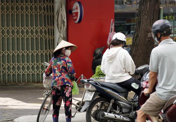 Hiểu nhầm chỉ thị 16, người dân Vũng Tàu ào ào đến ngân hàng - Ảnh 2.