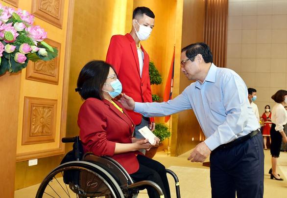 Thủ tướng Phạm Minh Chính tặng bằng khen cho đội tuyển Việt Nam - Ảnh 2.
