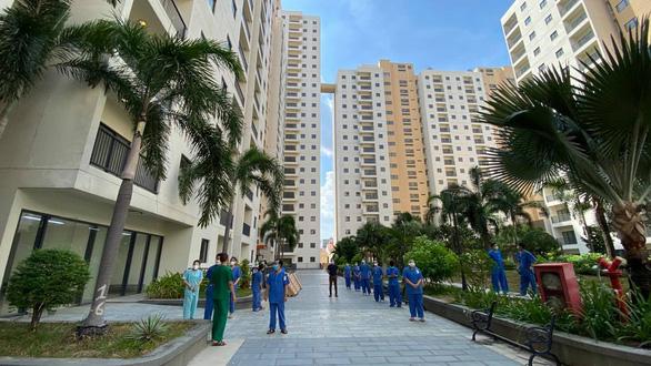 TP.HCM: Sử dụng 3 khu nhà tái định cư làm bệnh viện dã chiến và khu cách ly tập trung - Ảnh 1.