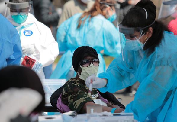 Người mắc COVID-19 có thể phát bệnh nặng hơn vì ô nhiễm không khí - Ảnh 1.