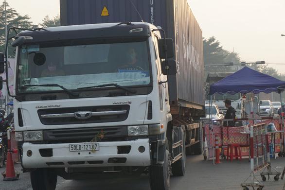 Dời chốt ở đường Nguyễn Kiệm, nới lỏng kiểm tra qua các chốt ở Gò Vấp - Ảnh 5.