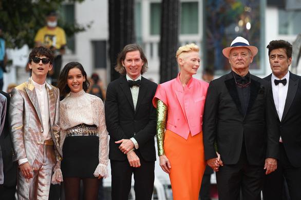 Phạm Linh Đan - ngôi sao gốc Việt của phim Đông Dương - rạng rỡ trên thảm đỏ Cannes - Ảnh 5.