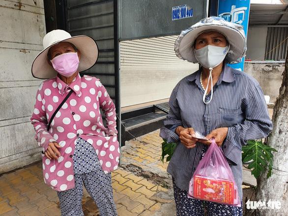 Dịch COVID-19 ngày 13-7: Cách ly tạm thời toàn bộ nhân viên Bệnh viện đa khoa Kiên Giang - Ảnh 2.