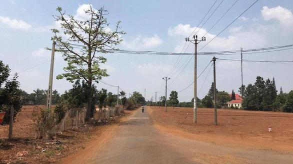 Tách thửa phân lô đất cho nguyên phó giám đốc sở: Kỷ luật hàng loạt cán bộ từ xã lên tỉnh - Ảnh 1.