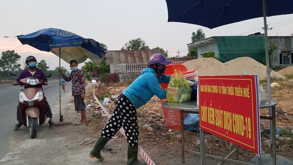 Dịch COVID-19 ngày 13-7:  Bình Phước giãn cách xã hội theo Chỉ thị 15 thêm huyện Đồng Phú - Ảnh 2.