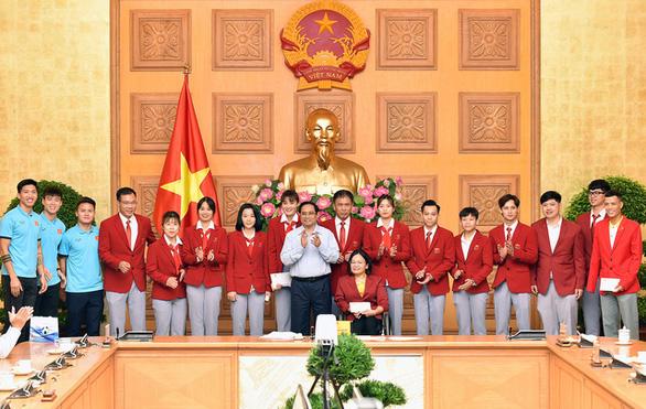 Thủ tướng Phạm Minh Chính tặng bằng khen cho đội tuyển Việt Nam - Ảnh 3.