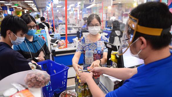 Saigon Co.op tăng quyền lợi cho khách không dùng tiền mặt - Ảnh 1.