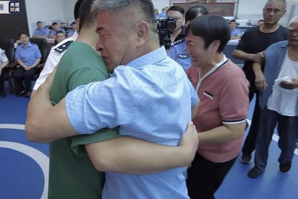 Nguyên mẫu người cha trong phim Thất cô - do Lưu Đức Hoa thủ vai - đã tìm thấy con bị bắt cóc - Ảnh 1.