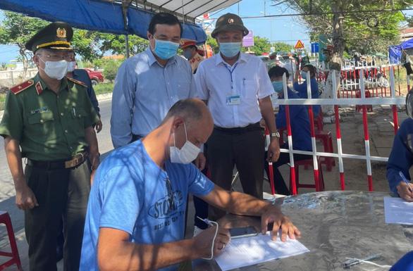 Từ nay đến 12h ngày 22-7, không để người dân từ Đà Nẵng vào Quảng Nam - Ảnh 2.
