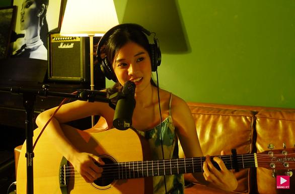 Hoàng Yến Chibi hát về tình yêu để xoa dịu tâm hồn khán giả ngày giãn cách