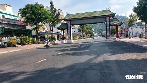 An Giang giãn cách xã hội theo chỉ thị 16 ở 9 huyện, thành phố trong 10 ngày - Ảnh 1.