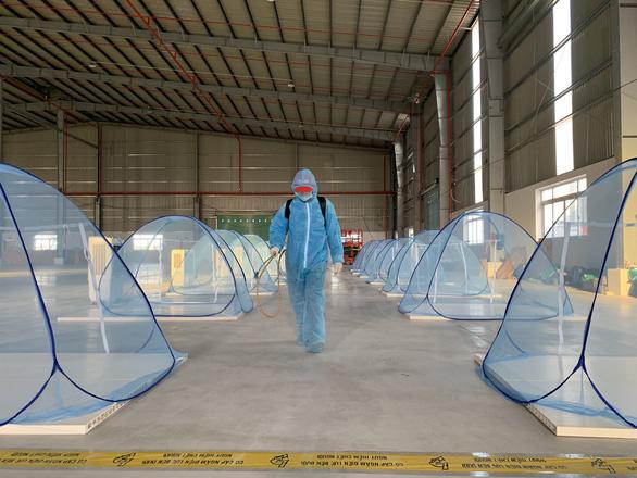 Intel, Nike, Coca Cola... ở Việt Nam làm gì để duy trì sản xuất trong đại dịch? - Ảnh 1.