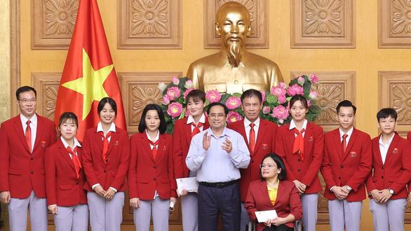 Thủ tướng gặp đoàn thể thao Việt Nam tham dự Olympic Tokyo - Ảnh 1.