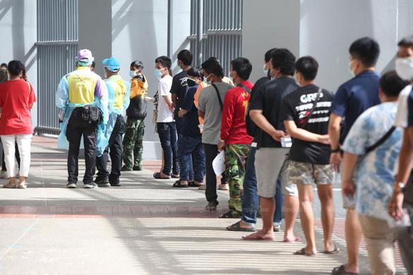 Thái Lan phê duyệt hỗ trợ 1,3 tỉ USD cho dân bị phong tỏa - Ảnh 1.