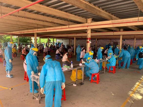 Vĩnh Long vượt mốc 200 ca nhiễm cộng đồng, Bộ Y tế kiểm tra công tác chống dịch - Ảnh 1.