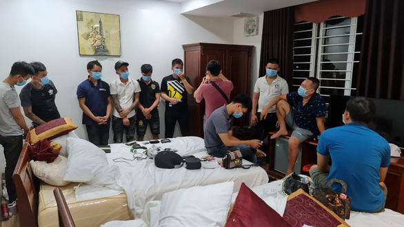 Hơn 40 thanh niên tụ tập chơi ma túy trong khách sạn - Ảnh 1.